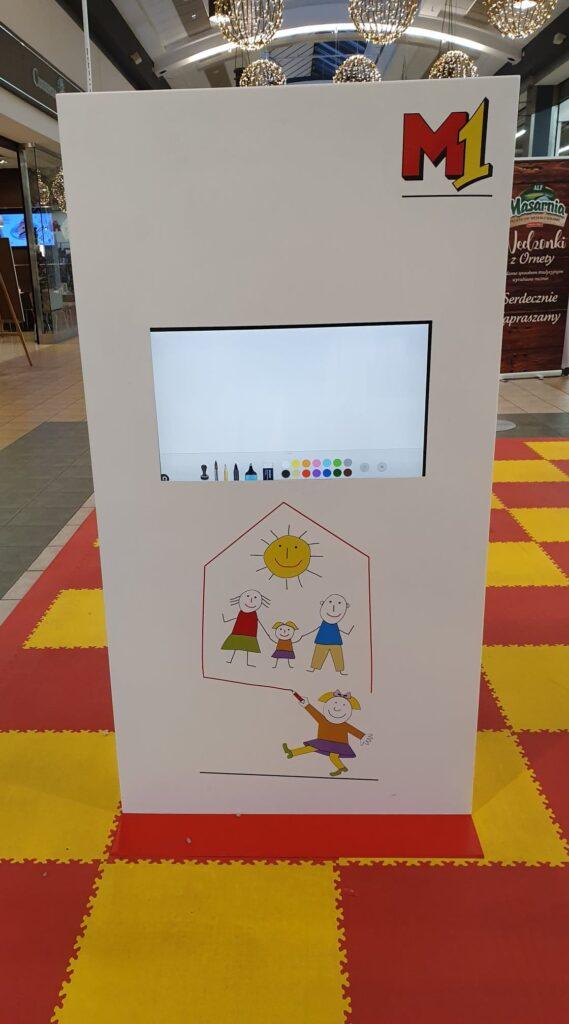 Infokiosk GLIP Mono - element interaktywnego placu zabaw.